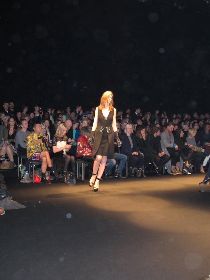 N°21 women's fashion show F/W 2013