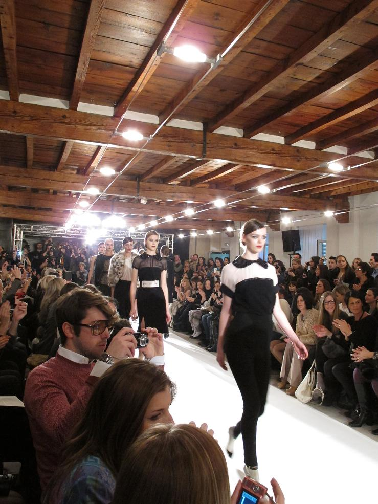 Paola Frani Women's fashion show