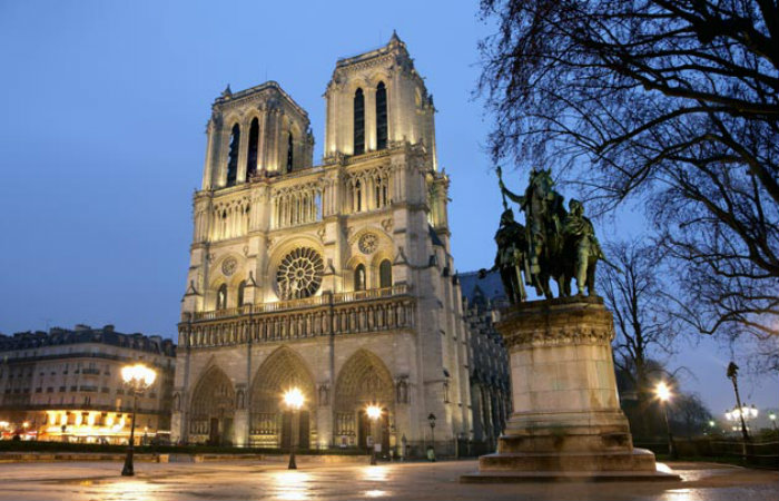 Notre-Dame-cattedrale-2